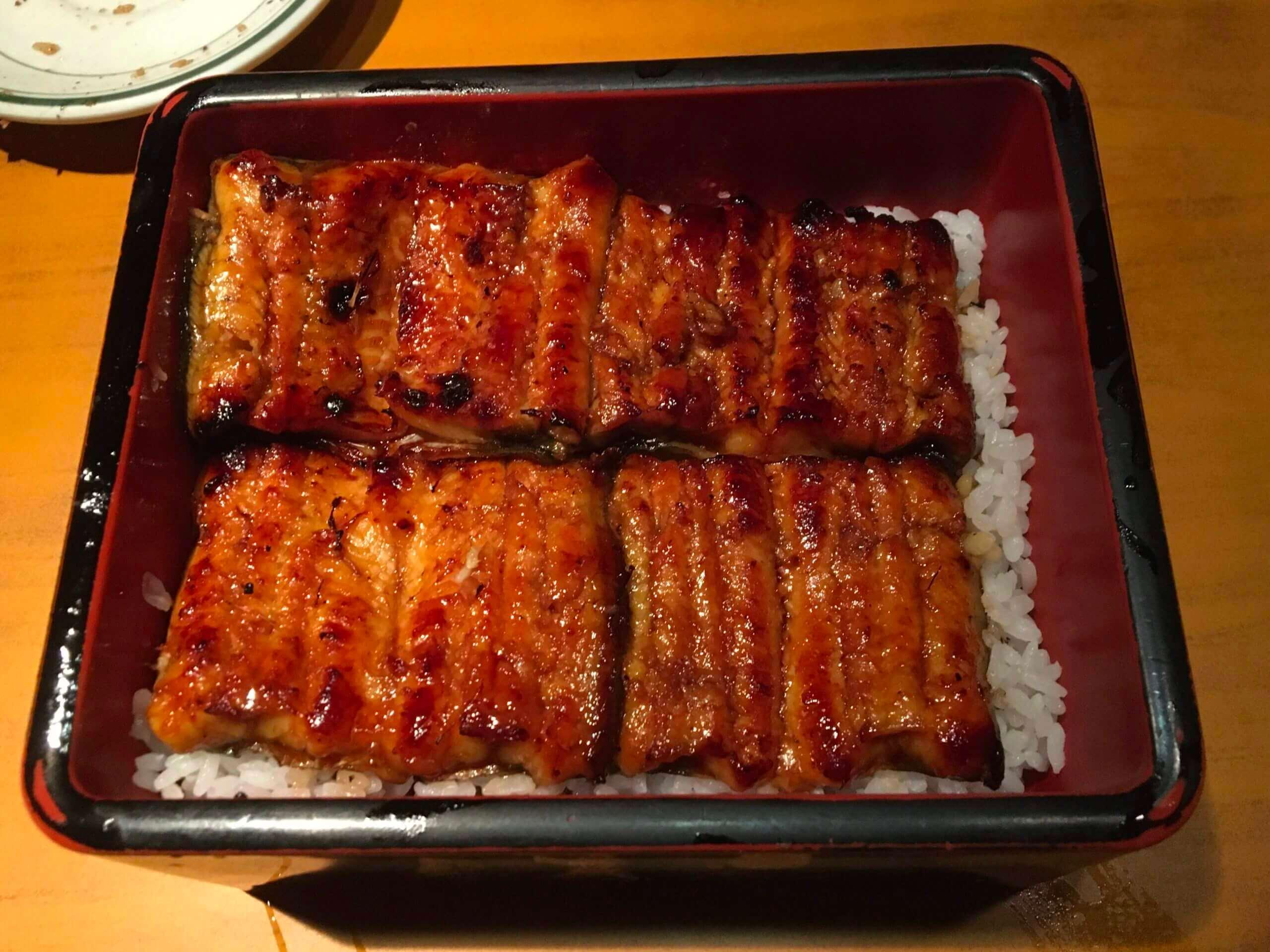 魚心日本料理:台北老字號鰻魚飯|經典鰻魚飯盒